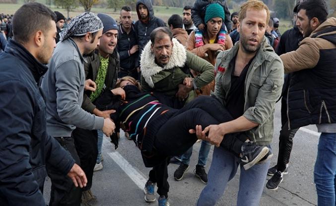 Göçmenlerin bekleyişi sürüyor