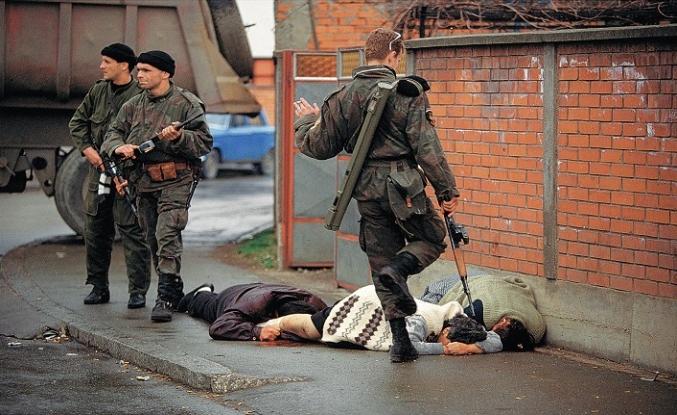 Sırp paramiliterler 6 ay daha kazandı