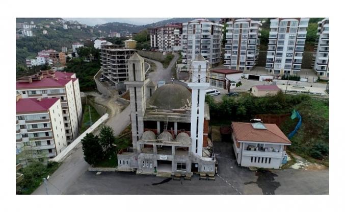 Kiliseye benzetildiği için inşaatı duran caminin yapımına tekrar başlandı