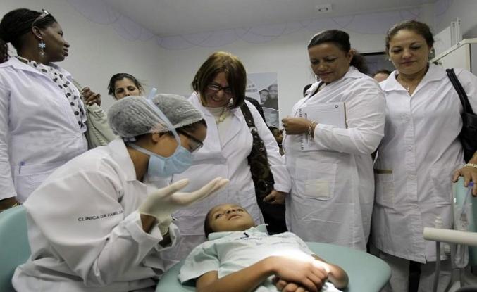 Küba binlerce doktorunu Brezilyadan çekecek