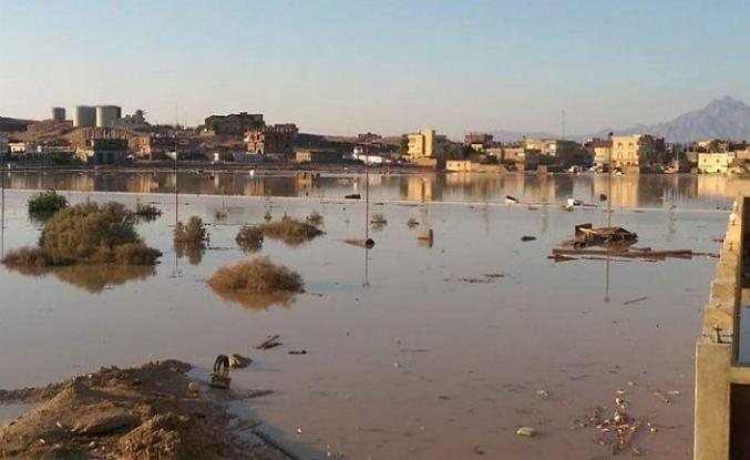 Sel şimdi de Mısır'da: 3 kişi hayatını kaybetti