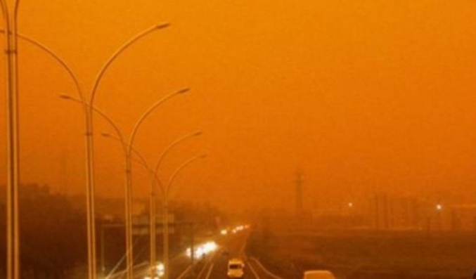 Toz fırtınası tehlikeli boyutlara ulaştı