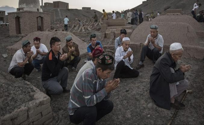 Uygurlar'ın vatandaşlığında insanlık sınavını kaybediyoruz… (I)