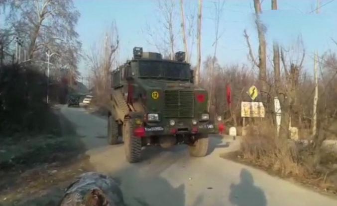 Cammu-Keşmir'de çatışma, 10 ölü