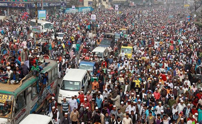 Dünyanın en büyük İslami cemaatinde tehlikeli bölünme