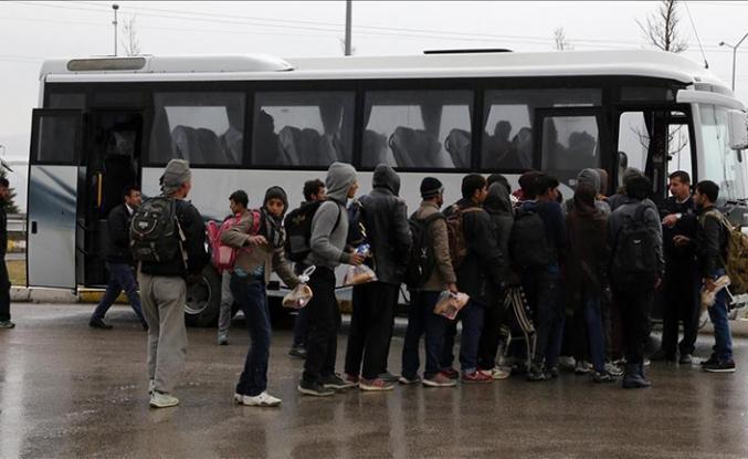 Göçmenler makinistin dikkatinden kaçmadı