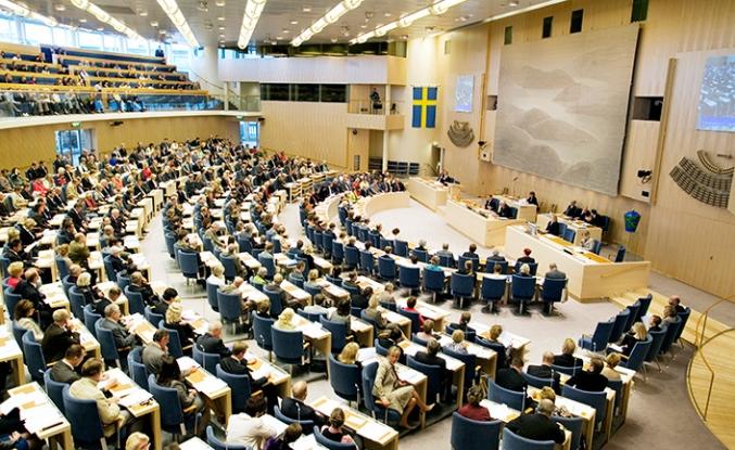 İsveç'te erken seçim rüzgarı esiyor