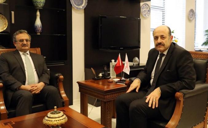 Pakistan Büyükelçisinden YÖK Başkanı Saraç'a ziyaret