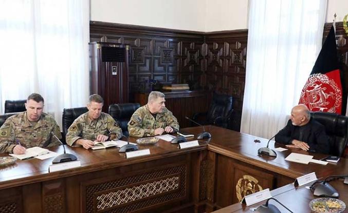 ABD Genelkurmay Başkanı'ndan Afganistan'a sürpriz ziyaret