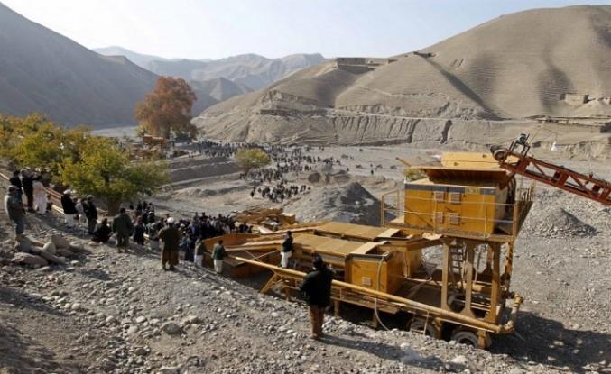 Afganistan'da madende göçük, 30 ölü