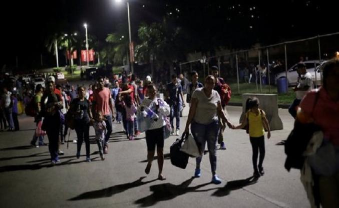 Honduras'tan 700 kişilik yeni göçmen grubu yola çıktı