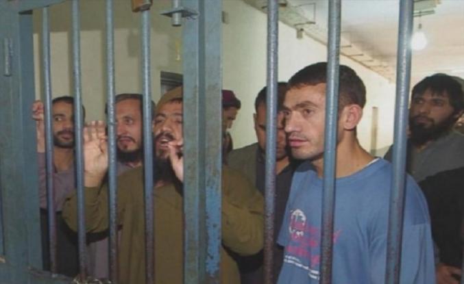İran'daki 242 Afgan tutuklu ülkesine gönderildi