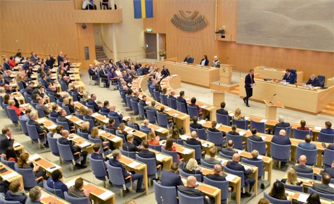 İsveç'te 130 gün sonra güvenoyu alınabildi
