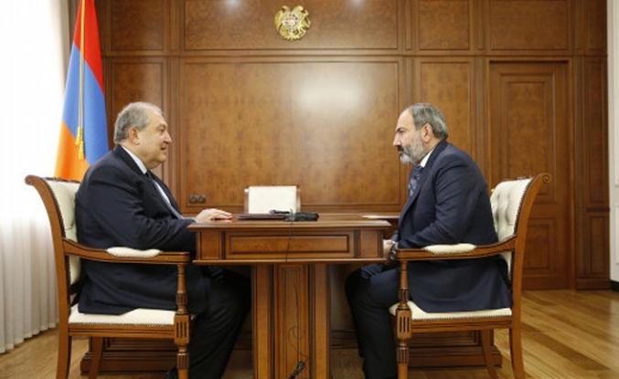 Paşinyan'ın başbakanlığı resmiyete geçti