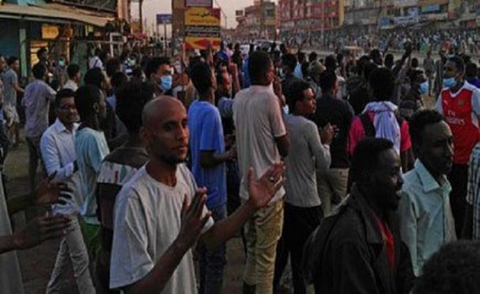 Sudan yönetimi gençleri uyardı; Bugün sokağa inmeyin