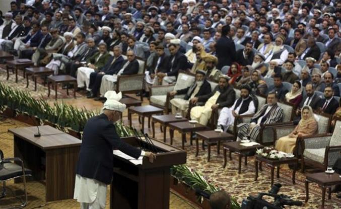 Barış görüşmelerini seçim kampanyasına çeviren Eşref Gani'yi veto