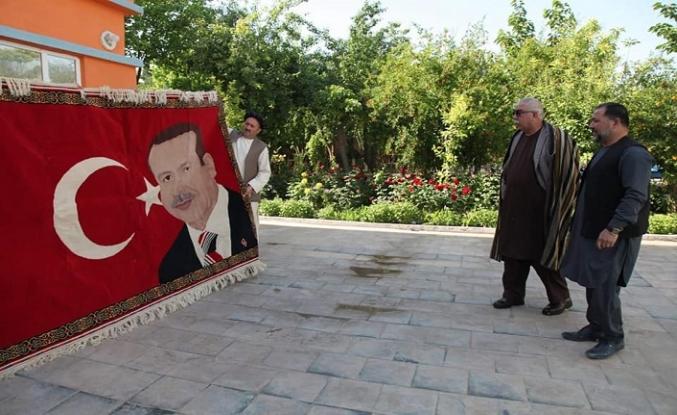 Afgan iş adamı ve Raşid Dostum saçmaladı