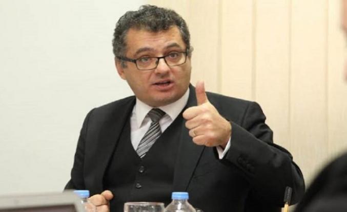 Erhürman hükümetin istifasını Cumhurbaşkanı Akıncı'ya sundu