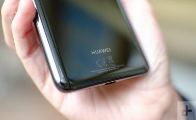 Google, Huawei ile yaptığı iş birliğini kısmen askıya aldı
