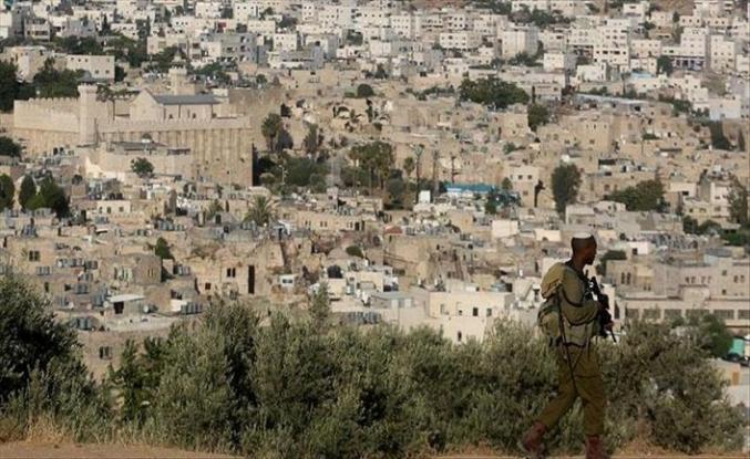 İşgalci Yahudiler Batı Şeria'da Filistinlilere saldırdı