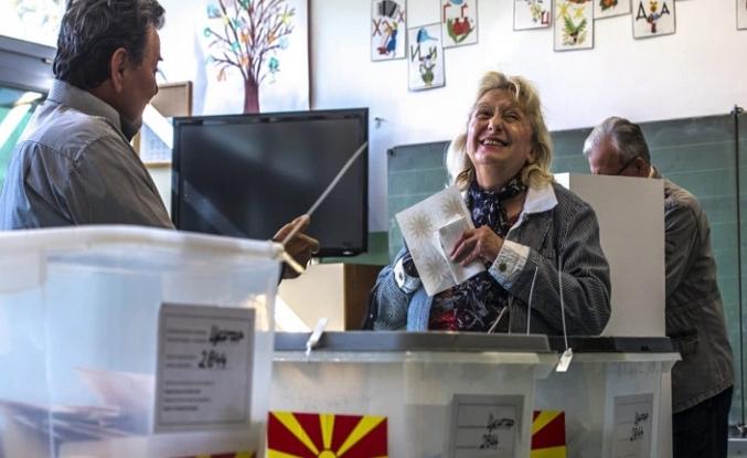 Kuzey Makedonya'da oy kullanma işlemi başladı
