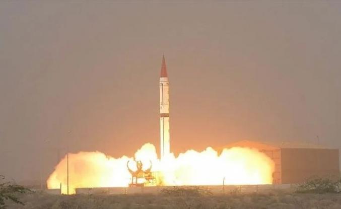 Pakistan: 1500 km'lik balistik füzemiz başarılı oldu!
