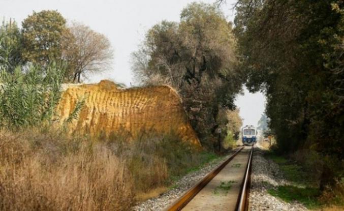 Osmanlı'nın ilk raylarında 163 yıllık ilk demir yolu hattında hala tren düdük sesi çalıyor