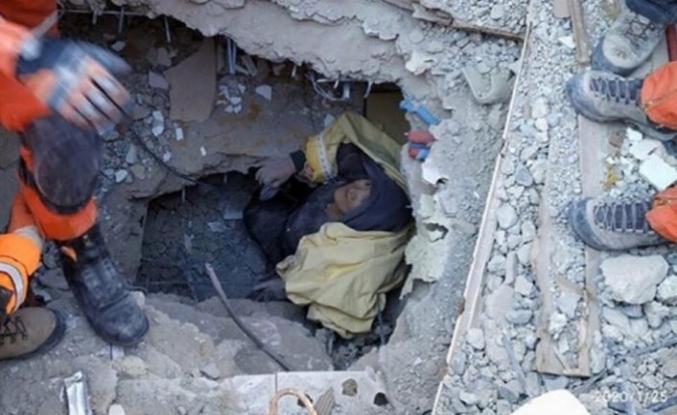 Ben Azize, yüreği depremde yıkılmış anne