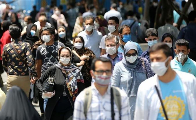 Tahran'da Kovid-19 nedeniyle 'risk barındıran' yerler 1 hafta kapatılıyor