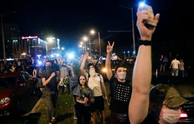 Belarus'ta seçimin kazananı Rusya