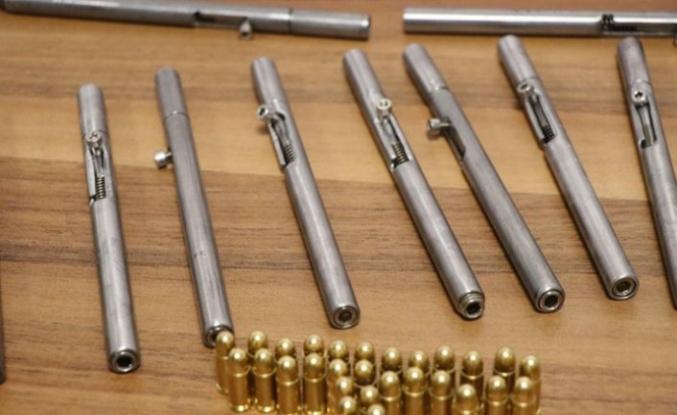 Denizli'de kalem görünümlü 50 tabanca ele geçirildi