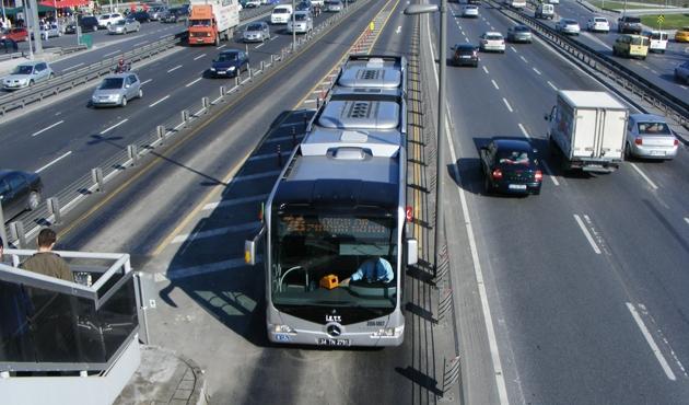 Metrobüs kazası: 1 ölü