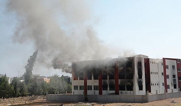 Mardin'de öğrenci yurdu yine ateşe verildi