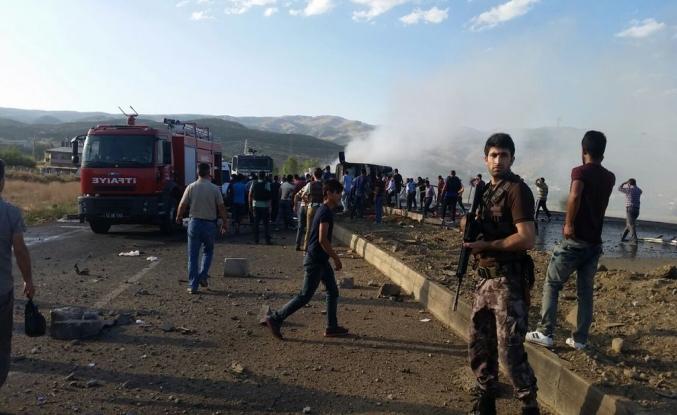 Bingöl'de polise bombalı saldırı: Altı şehit