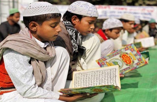 Hindistan Müslümanları 'görülmeyi' bekliyor