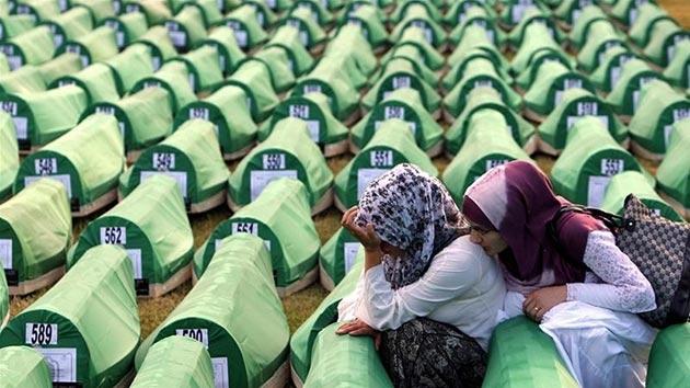 Tarihte bugün: Sırplar Srebrenitsa'da katliam yaptılar