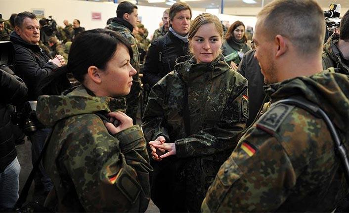 Alman ordusu asker için gözünü AB'ye dikti
