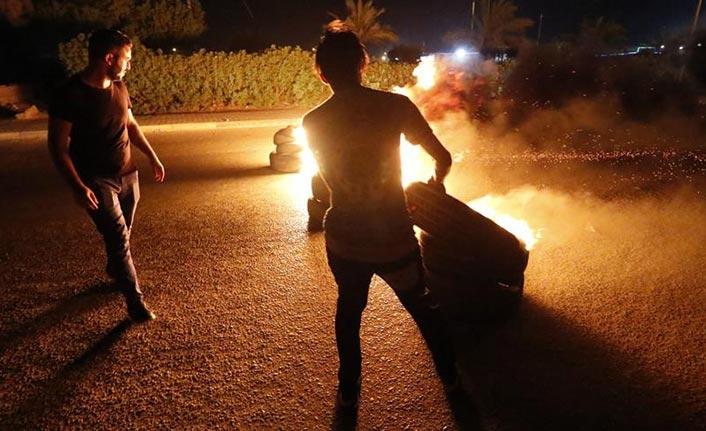 Irak'ta protestocular İran Sınır Kapısı yolunu kapattı
