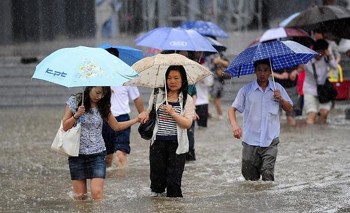 Sel tehlikesi yüzünden 100 bin kişi tahliye edildi
