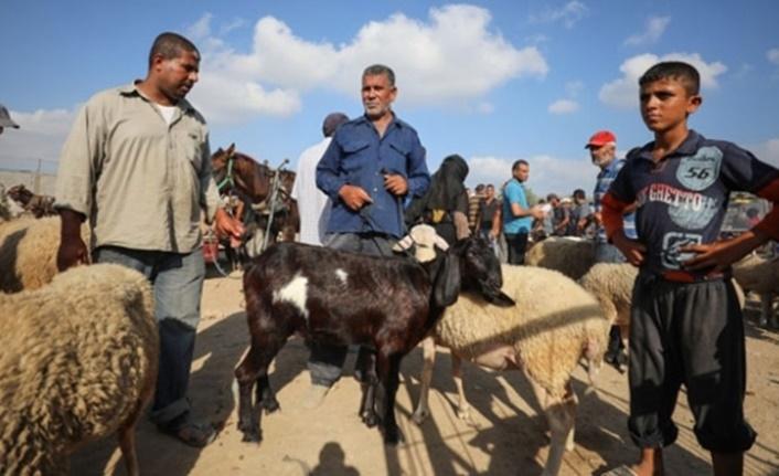 Ekonomik krizle mücadele eden Gazzeliler kurban alamıyor