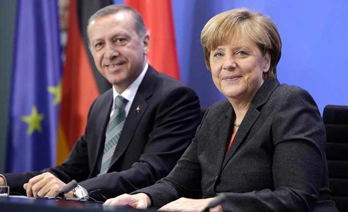 Erdoğan ve Merkel'den sürpriz telefon görüşmesi