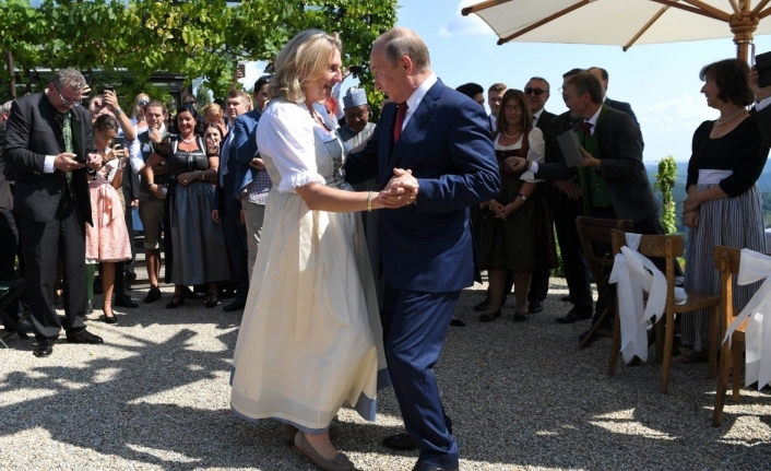 Putin'le dans Dışişleri Bakanına pahalıya maloldu