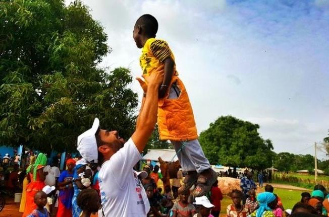 """Senegal'deki """"cüzzamlılar köyü"""" sevindi"""