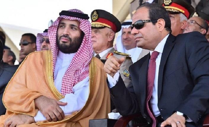 Sisi'den Suudi Arabistan'a sürpriz ziyaret