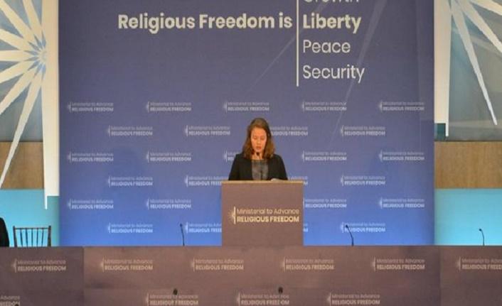 Misyoner Rahip Brunson'ın kızı Türkiye aleyhindeki konferanslarda