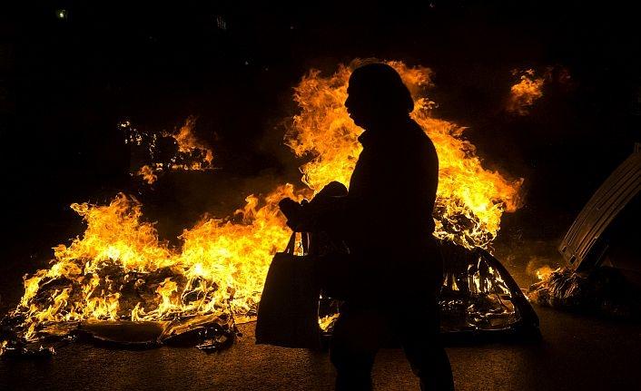 Atina'daki ırkçılık karşıtı gösteride olaylar çıktı
