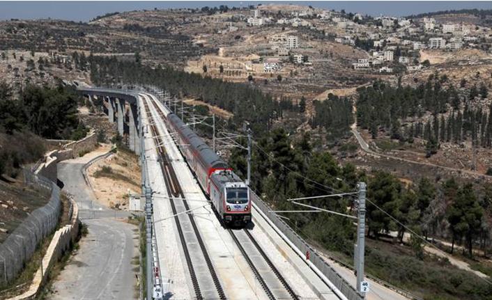 İsrail Filistin'i hızlı trenle bölüyor