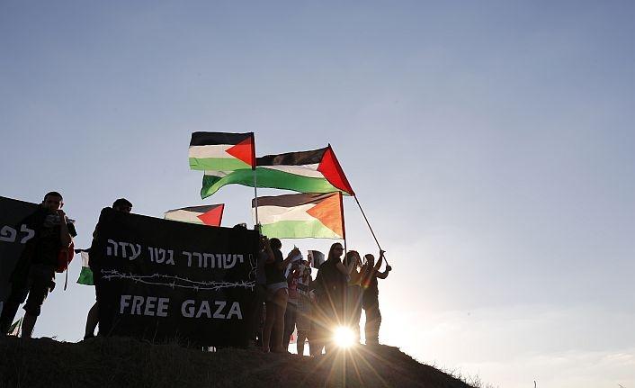 İsrailli aktivistler Gazze'ye destek için sınırda