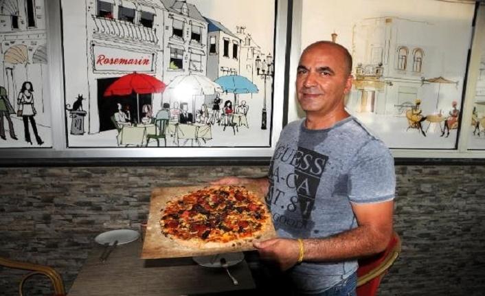 Toronto'daki evsizlere Kerbela lokması niyetine pizza