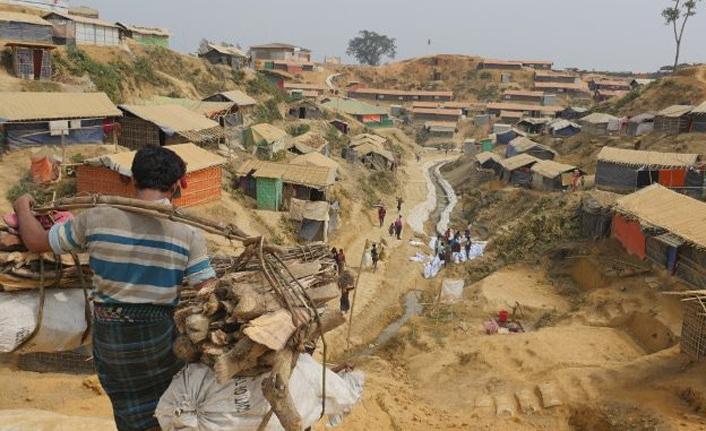 Bangladeş'teki Arakanlı mültecilerin geri dönüş planı rafa kaldırıldı